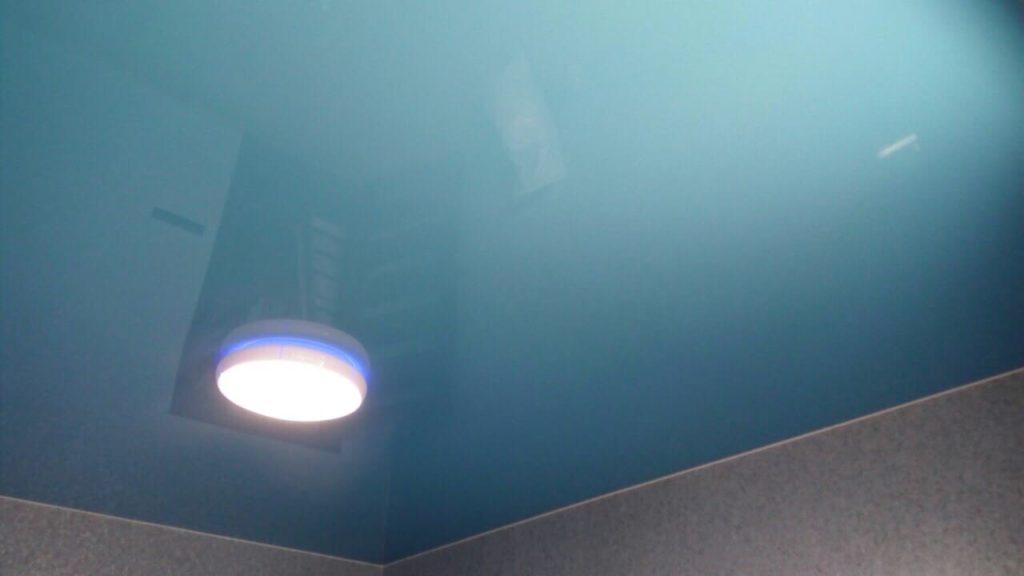 Глянцевые натяжные потолки сделанные ТЕКО